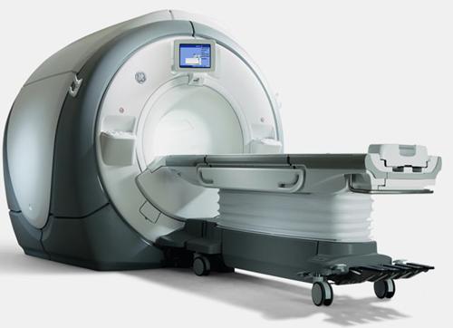 GE Discovery MR750 MRI